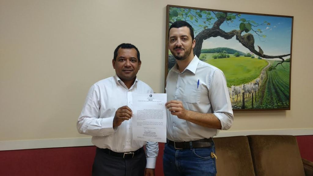 Dr. Cleber de Oliveira Soares e Pedro Puttini Mendes